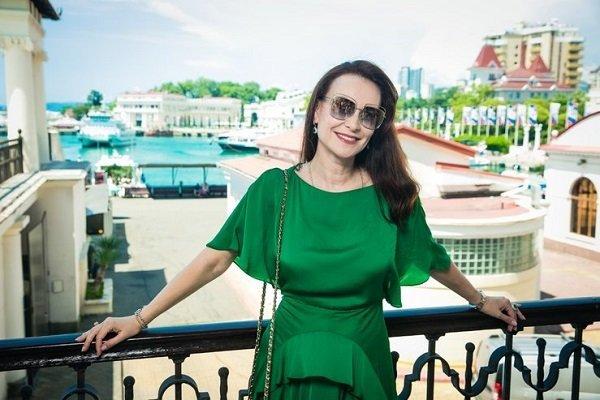 «Днем училась актерскому мастерству, а ночью развозила пиццу»: как простая одесская девушка Илания покоряла Голливуд