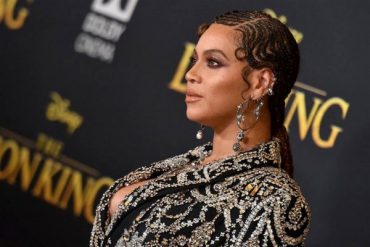 "Simply glitter: Beyonce in an incredible way at the premiere of the film ""the lion King"""