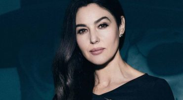 Monica Bellucci show off ample bosom in a swimsuit