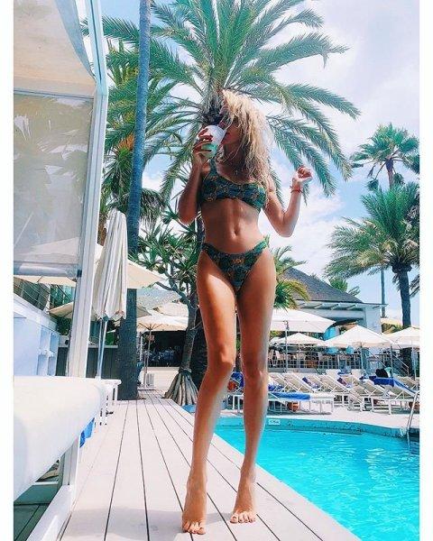 Светлана Лобода обновила блог снимками в бикини