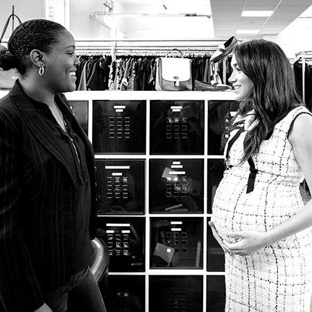 В сети появились ранее не публиковавшиеся фотографии беременной Меган Маркл