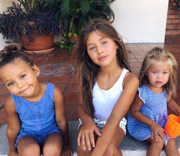 Оксана Самойлова освободила дочерей от школы
