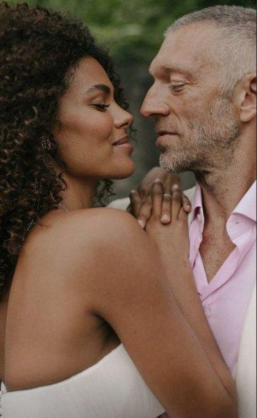 Венсан Кассель рассказал, трудно ли жить с младшей на 30 лет женой