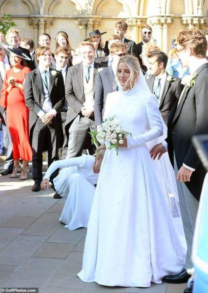 Бывшая любовь принца Гарри вышла замуж