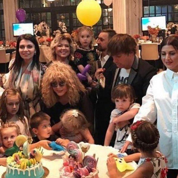 Суррогатное материнство как путь к счастью для известных артистов!