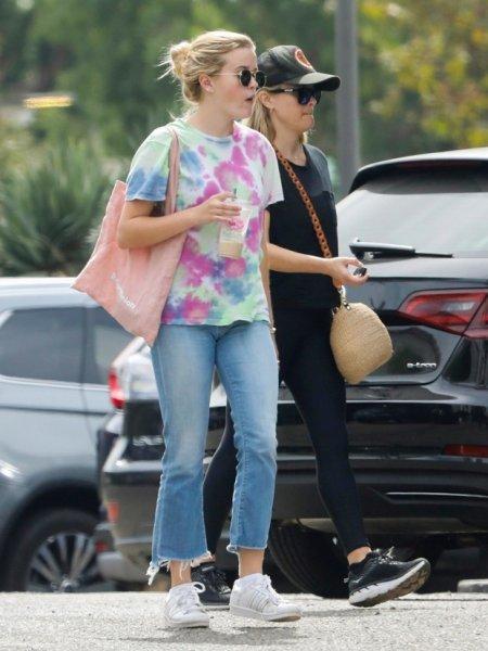 Риз Уизерспун и ее дочь Ава похожи словно близнецы