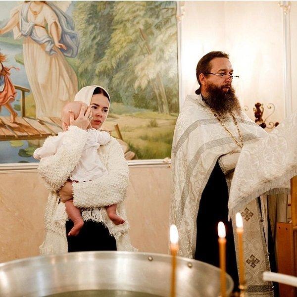 Елена Князева крестила сына в московском храме