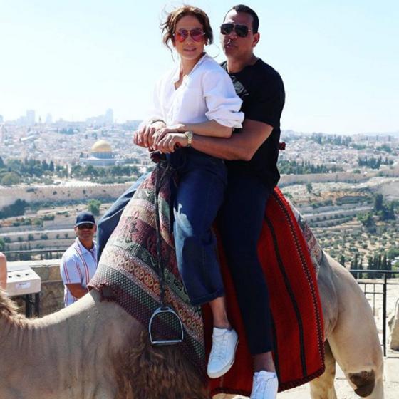 ДжейЛо и Алекс Родригес ждут на свадьбу своих бывших