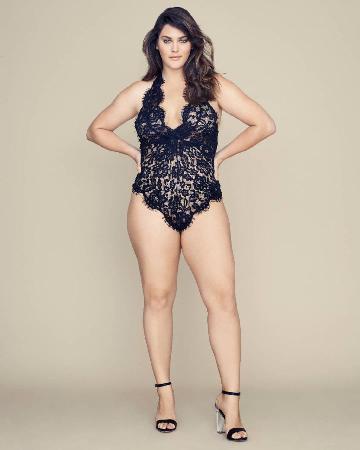 Пополнение «ангелов» Victoria's Secret: модель-трансгендер и плюс-сайз