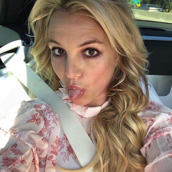 Бритни Спирс снова блондинка. Изменит ли это ее жизнь к лучшему?