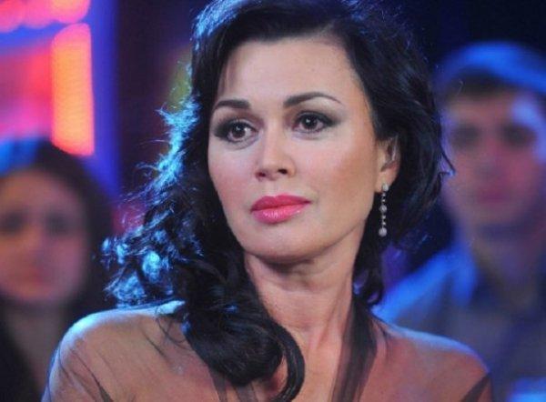 Семья Анастасии Заворотнюк впервые подтвердила: актриса борется с болезнью