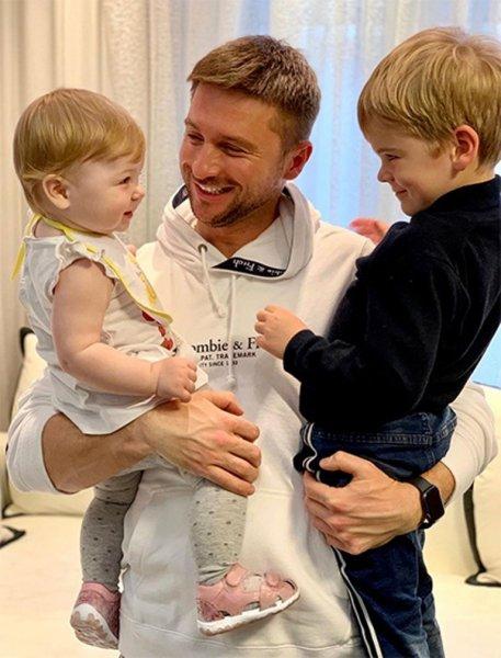 Сергей Лазарев очаровал сеть новым снимком своих детей
