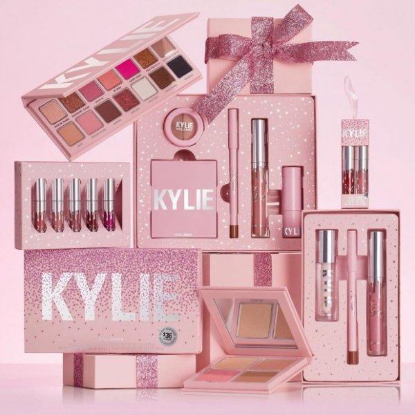Кайли Дженнер объявляет о сотрудничестве Kyiie Cosmetics с Balmain
