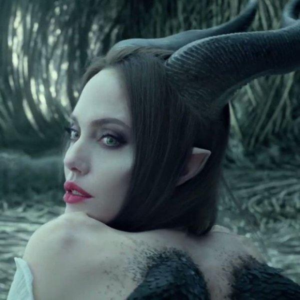 Анджелина Джоли с детьми на премьере фильма «Малифесента -2»