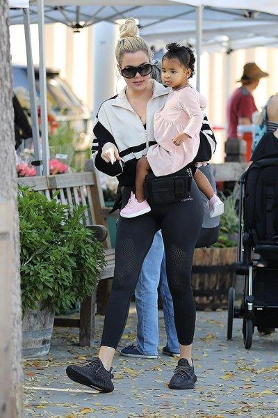 Хлои Кардашьян вместе с 12-месячной дочерью Трю Томсон выглядят восхитительно