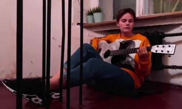 лиза гинзбург взорвала Интернет своей грустной песней