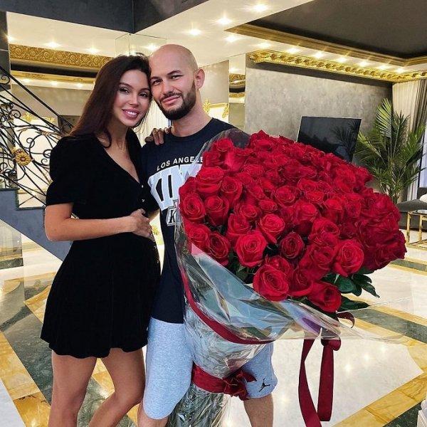 Новый трек Джигана стал признанием в любви своей беременной жене