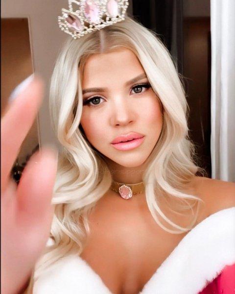 София Ричи в роли «Спящей красавицы» на Хэллоуин 2019