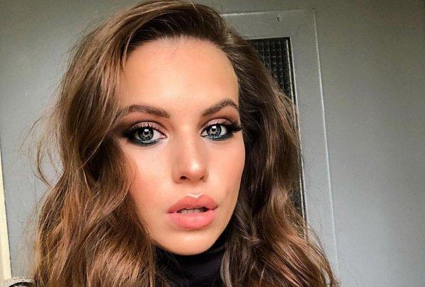 """Бывшая участница проекта """"Дом-2"""" Саша Артёмова показала волосатые подмышки"""