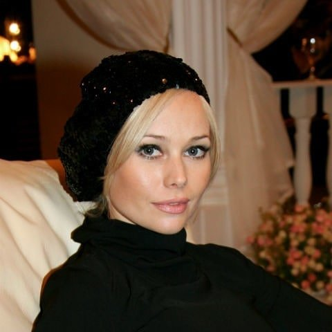 Елена Корикова пригрозила судом тем, кто называл её опухшей пьяницей после пластики
