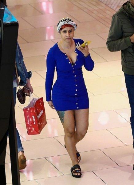 Карди Би была замечена на прогулке в Маями: без макияжа ее просто не узнать!