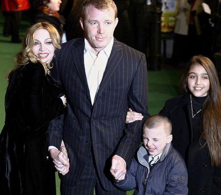 Мадонна отменила концерты из-за своего бывшего мужа Гая Ричи