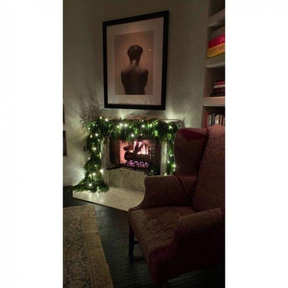 Кендалл Дженнер демонстрирует рождественские украшения в своем доме за 8,5 миллионов долларов
