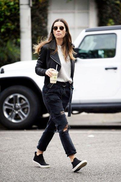 После громкого скандала жену Джастина Тимберлейка заметили прогуливающейся по Лос-Анджелесу