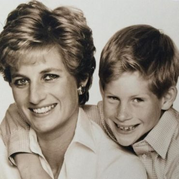 Former Butler to Princess Diana posted in her Instagram a touching letter addressed to the sons!