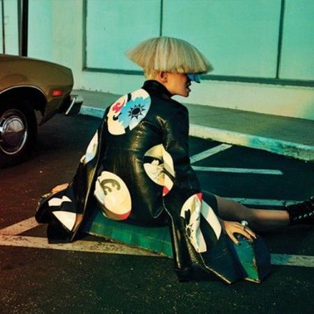 Певица Sia рассказала про свободные отношения и усыновление сына