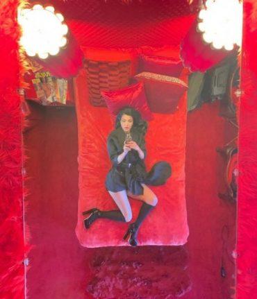 Kourtney Kardashian in new selfie is incredibly similar to her sister Kim Kardashian