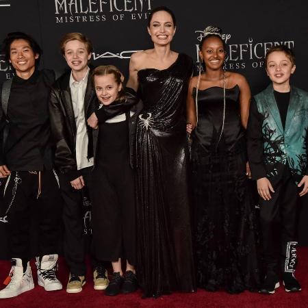 Приемная дочь Анджелины Джоли попросила отвезти ее на родину