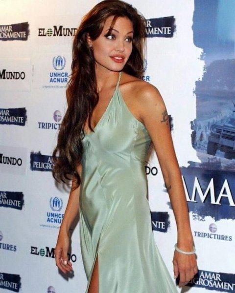 8 января исполнилось 15 лет Захаре Марли Джоли-Питт, поздравляем дочь Анджелины Джоли!