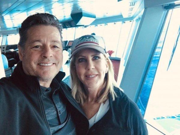 Американская телезвезда реалити-шоу «Настоящих домохозяек округа Оринж» Вики Гунвалсон рассталась со Стивеном Лоджом?