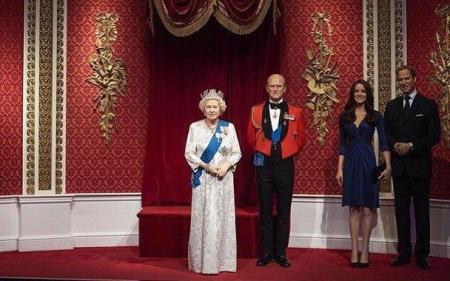 Восковые фигуры принца Гарри и Меган Маркл убрали из музея мадам Тюссо в Лондоне