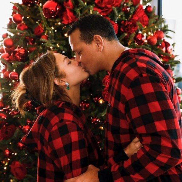 Дженнифер Лопес выбирает новый интерьер для дома с дочерью и женихом