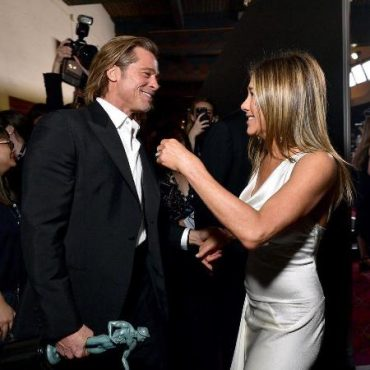 Jennifer aniston commented on the reaction of brad pitt at the awards screen actors Guild USA