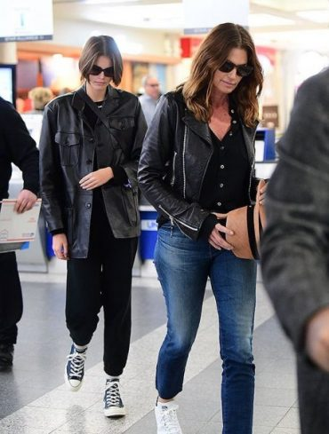 The daughter of Cindy Crawford was spotted in a depressed state