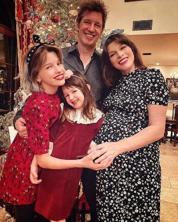 Мила Йовович рассказала фанатам о плохом самочувствии на последних сроках беременности