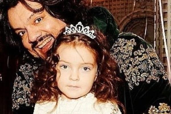 Фото филипп киркоров и дочка