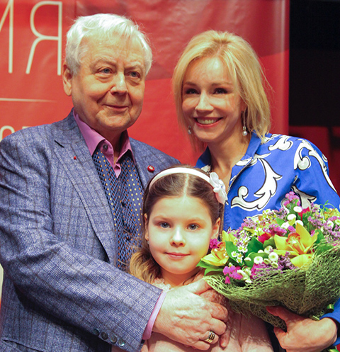 Oleg Tabakov Showed Gorgeous Apartment In The Center Of Moscow
