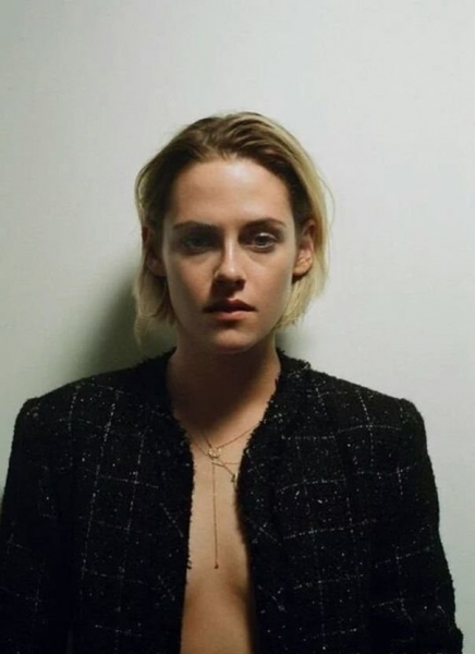 kristen stewart posing for the �cannes� special issue of
