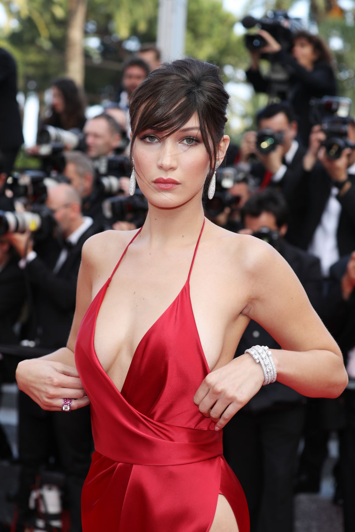 http-forum.ns4w.org-showthread.php-570203-bella-hadid-the-unknown-girl-premiere-at-69th-annual-cannes-film-festival-05-18-16-adds-s-08ce82a2f025b7305318944fd6bd9518_1