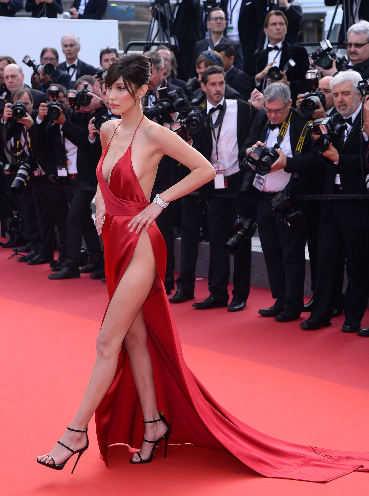 http-forum.ns4w.org-showthread.php-570203-bella-hadid-the-unknown-girl-premiere-at-69th-annual-cannes-film-festival-05-18-16-adds-s-08ce82a2f025b7305318944fd6bd9518_26