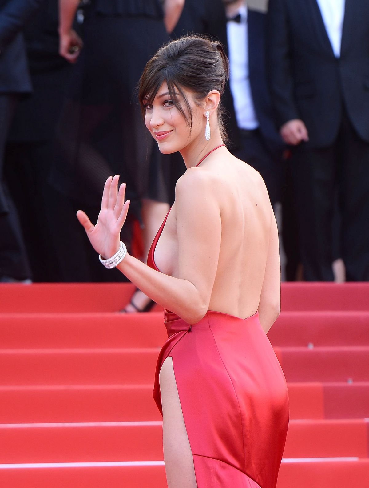 http-forum.ns4w.org-showthread.php-570203-bella-hadid-the-unknown-girl-premiere-at-69th-annual-cannes-film-festival-05-18-16-adds-s-08ce82a2f025b7305318944fd6bd9518_34