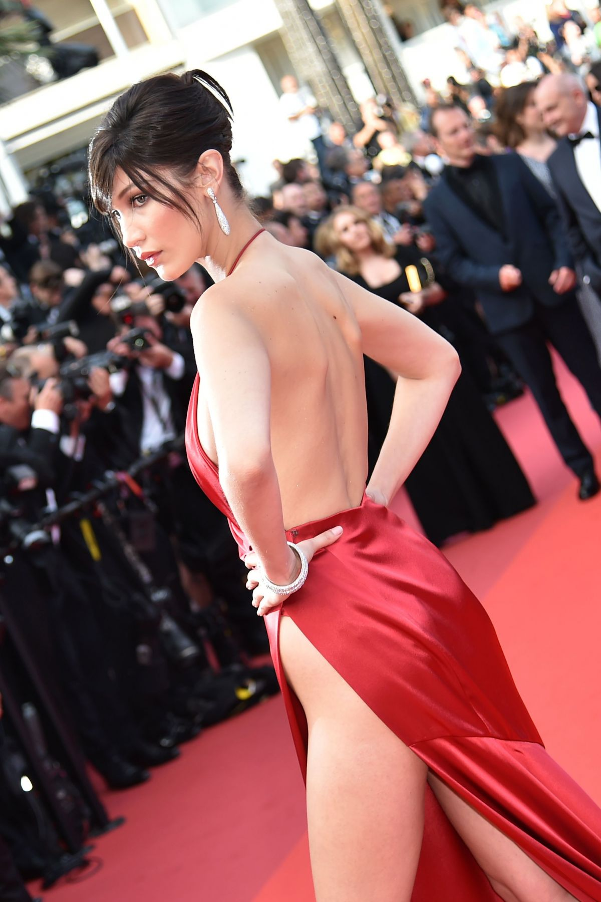 http-forum.ns4w.org-showthread.php-570203-bella-hadid-the-unknown-girl-premiere-at-69th-annual-cannes-film-festival-05-18-16-adds-s-08ce82a2f025b7305318944fd6bd9518_7