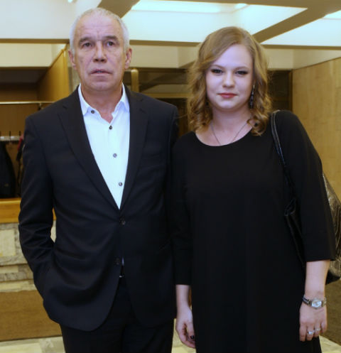 Sergei Garmash in secret from his wife meets with young fans 28.02.2011